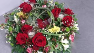 circular floral arrangment